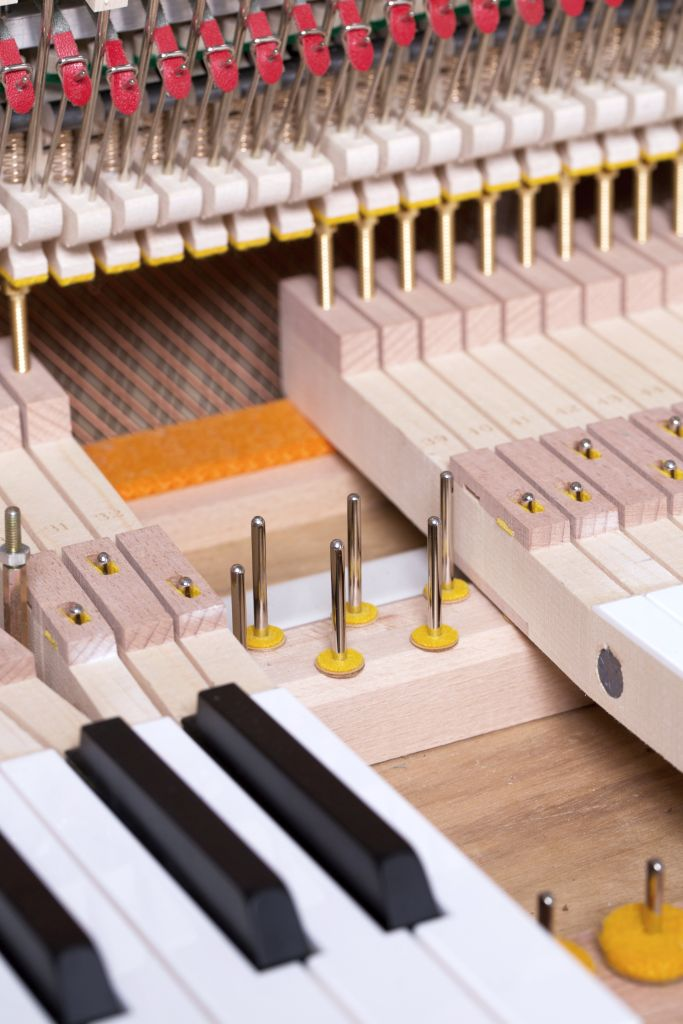 122 Detail 252 keys felts 7 web - خرید پیانو فویریخ مدل 122 Feurich