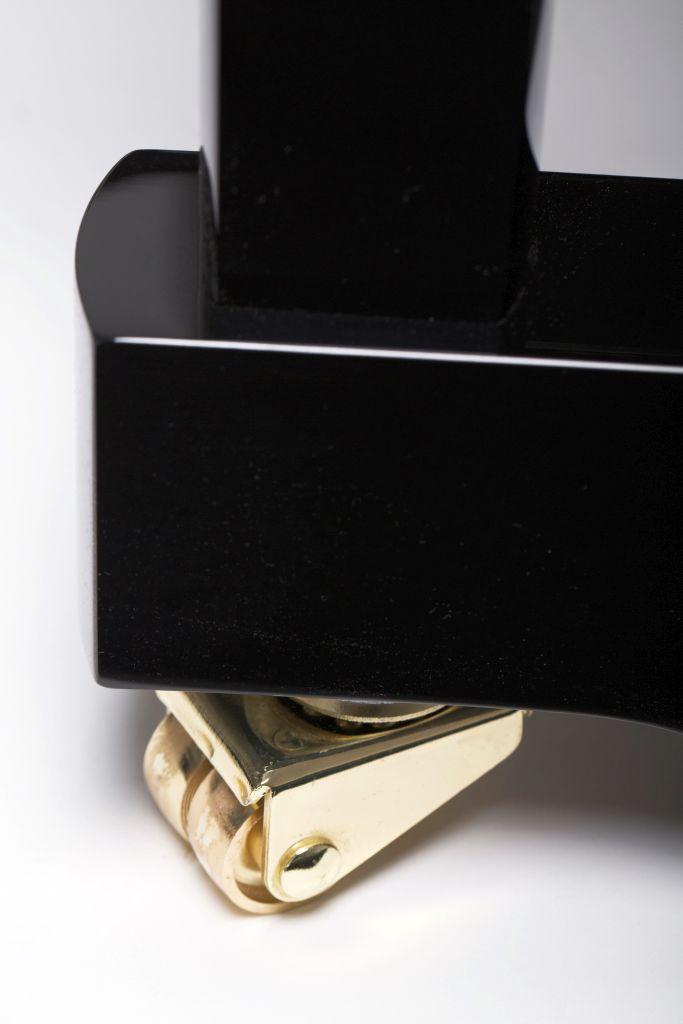 122 Detail 29 wheel 2 web - خرید پیانو فویریخ مدل 122 Feurich
