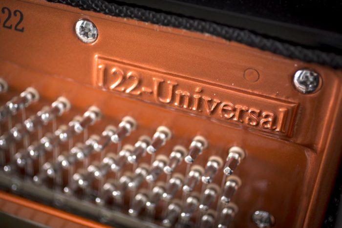 122 Detail 2 frame web 700x467 - خرید پیانو فویریخ مدل 122 Feurich