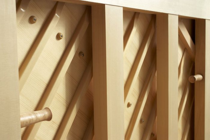 122 Detail 30 soundboard web 700x467 - خرید پیانو فویریخ مدل 122 Feurich